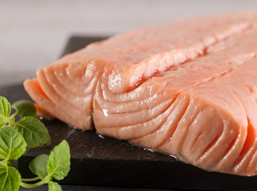 A tavola con il salmone, per la salute e il buonumore