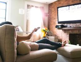 Lasedentarietàda divano e da lavoro ha effetti diversi sulla salute del cuore