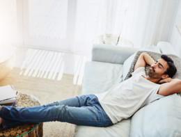 Il pisolino pomeridiano protegge da infarto, ictus e scompenso cardiaco