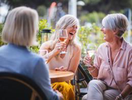 Bere spesso, anche poco, aumenta il rischio di fibrillazione atriale