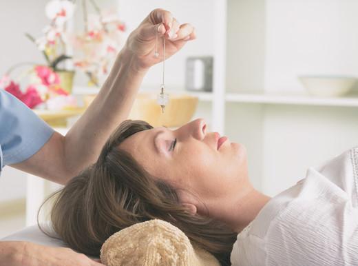 Così l'ipnosi controlla il dolore e aiuta nella cardiologia interventistica